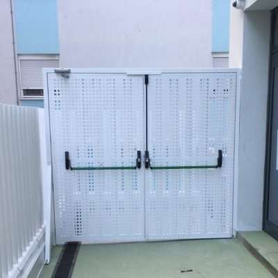Puerta con antipáinico